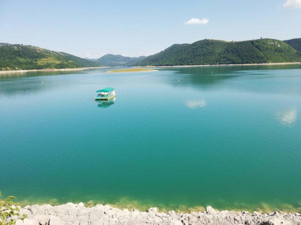 Brodarevo Lake